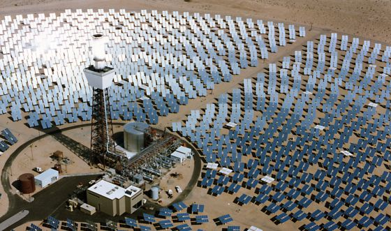 Central termosolar en el desierto de Mojave, en California.