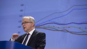 El comisario europeo de Asuntos Económicos, Olli Rehn, durante la presentación en Bruselas de los datos económicos de la UE