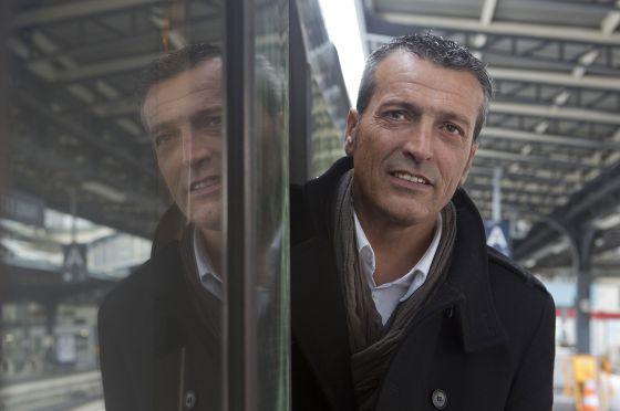 Eduardo Martín, en la estación del Este de París