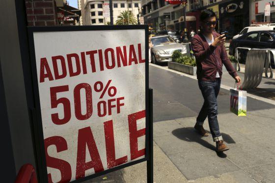 Una tienda de San Francisco (EE UU) ofrece descuentos del 50% en plena temporada.
