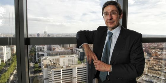 El presidente de Bankia, José Ignacio Goirigolzarri, en su despacho en la sede central de la compañía.