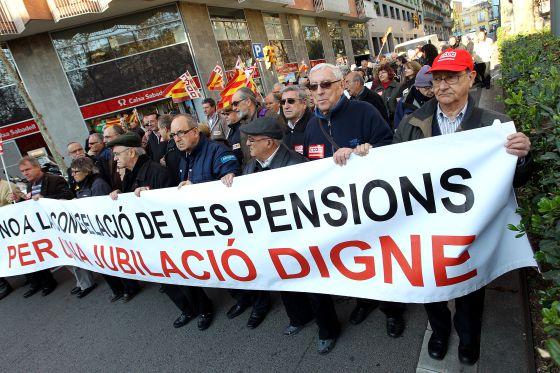 Imagen de enero de 2012 de una protesta de jubilados en Barcelona por la pérdida de poder adquisitivo.