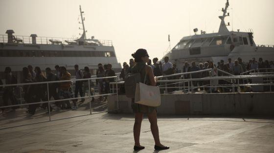 La llegada de un ferry en Rio de Janeiro, Brasil