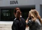El BBVA duplica beneficios por las plusvalías y supera al Santander