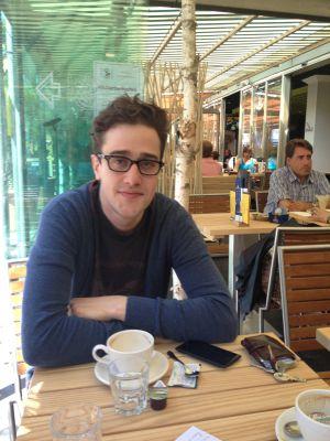 David Roth, en un café de Berna.