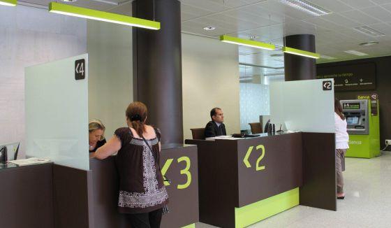 Bankia tambi n abre por la tarde econom a el pa s for Bankia horario oficina
