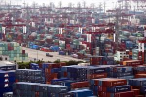 Entre 2004 y 2007, la economía latinoamericana creció a una media del 5,3%, un promedio que bajará a 3,4% entre 2011 y 2013, según la Comisión Económica para América Latina y el Caribe (Cepal). EFEArchivo