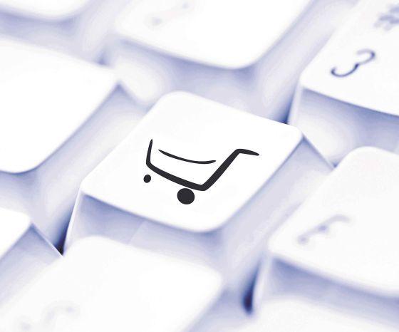 El 97% de los que compran por Internet lo hacen desde su casa. rn El día de mayor gasto es el lunes, aunque el fin de semana va en aumento gracias a las tabletas.
