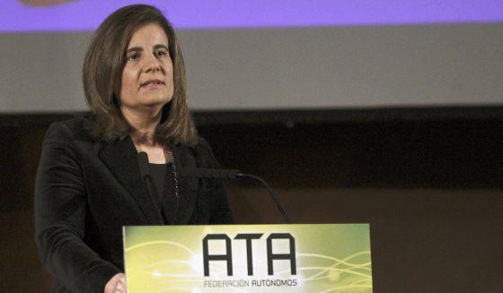 La ministra de Empleo, Fátima Báñez, en el Foro emprendedores y autónomos 2013 celebrado en Madrid.