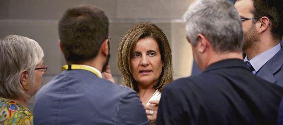 La ministra de Empleo, Fátima Báñez, tras un Consejo de Ministros.