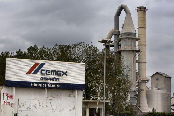 Una antigua planta de Cemex, en Vilanova.