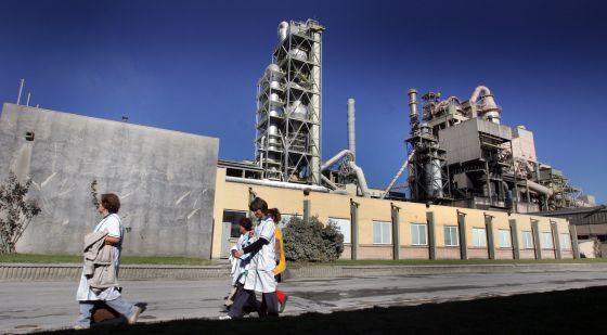 Planta de cemento de Cemex en Buñol (Valencia).rn