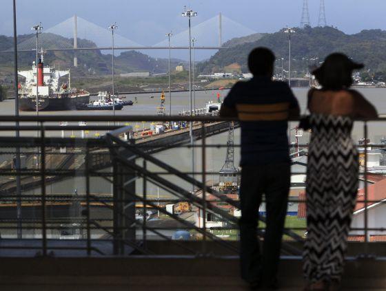 La esclusa de Miraflores del Canal de Panamá.