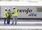 Fomento admite irregularidades en tres contratos del AVE