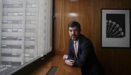 Alberto Nadal, secretario de Estado de Energía, en su despacho.