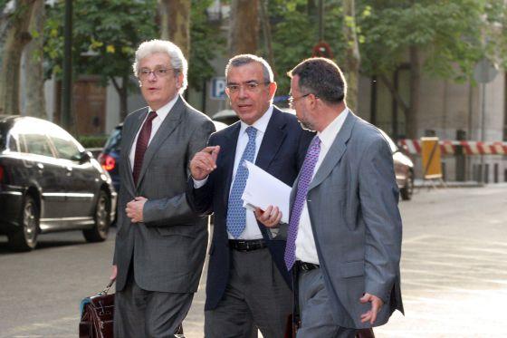 El ex director general de la CAM, Roberto López Abad, a su llegada a la Audiencia Nacional en julio de 2012.