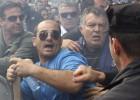 Las privatizaciones en Chipre generan disturbios en el parlamento