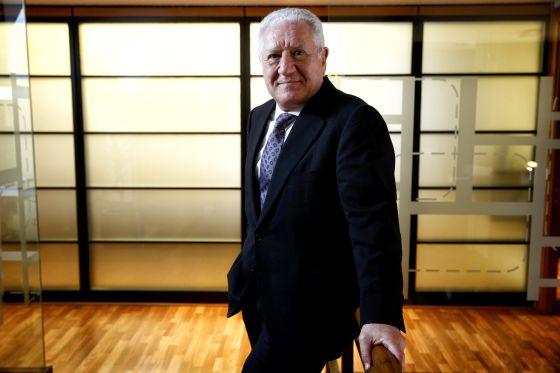 Luis Bassat, en la sede de la editorial Conecta.