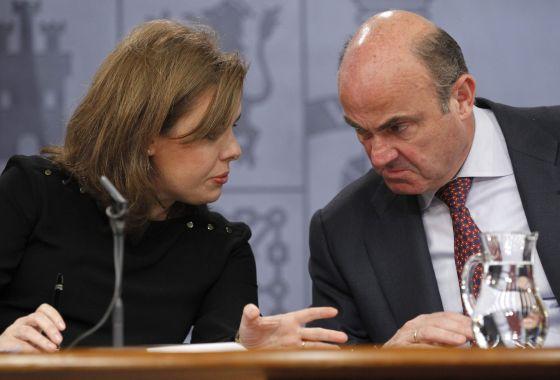 La vicepresidenta del Gobierno con el ministro de Economía
