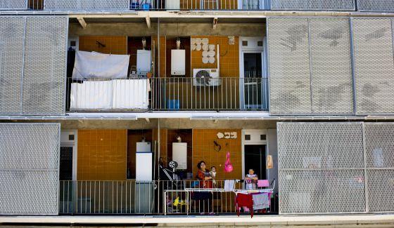 Bloque de viviendas sociales adquiridas por Blackstone en Madrid.