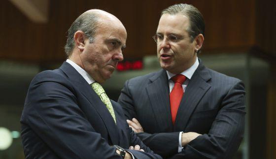 Luis de Guindos y el ministro sueco de Economía, Anders Borg, este martes.