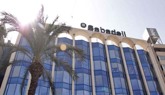 Zurich paga 107 millones al sabadell para ser su nico for Oficina 5488 banco sabadell