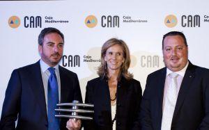 La exministra de Ciencia y Tecnología, Cristina Garmendia, entre José María Choclán, exsocio de Facephi, y Salvador Martí, en 2009.