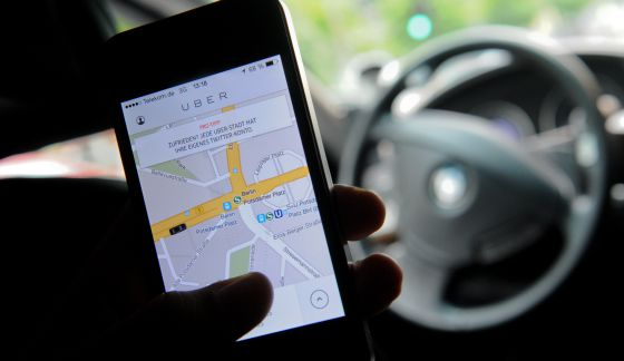 Vista de un móvil con la aplicación de Uber en Berlín.