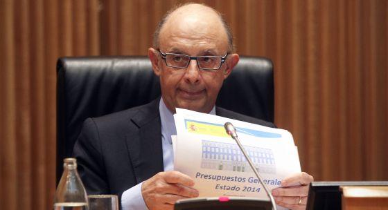 Montoro presenta los Presupuestos, en septiembre de 2013.