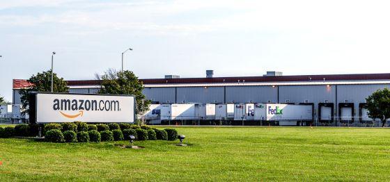 Centro de distribución de Amazon en EE UU.