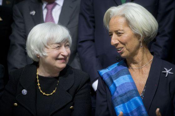 La presidenta de la Reserva Federal, Janet Yellen, a la izquierda, charla con Christine Lagarde, directora gerente del FMI
