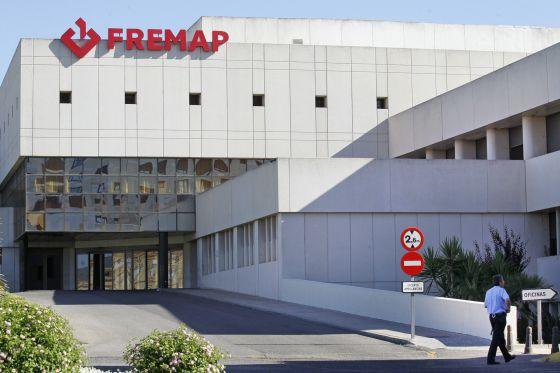Un vigilante de seguridad en la clínica Fremap en Sevillarn