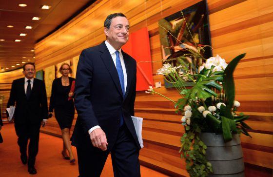 El presidente del BCE, Mario Draghi, poco antes de comparecer en conferencia de prensa, tras la reunión del consejo