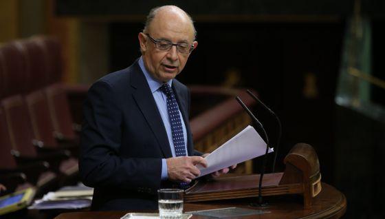 Cristobal Montoro, ministro de Hacienda, en el Congreso