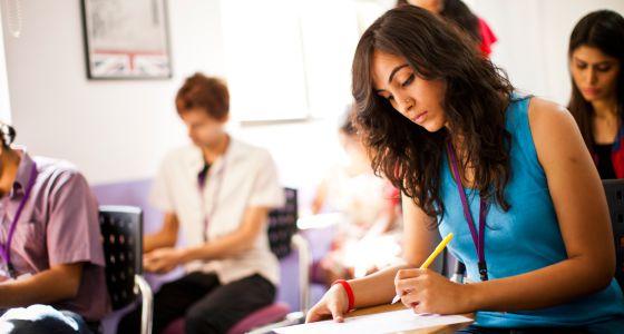 ¿TOEFL o IELTS? Cómo elegir el mejor certificado de inglés