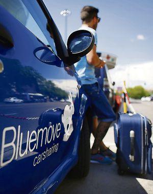 Uno de los coches de la empresa de 'carsharing' Bluemove.