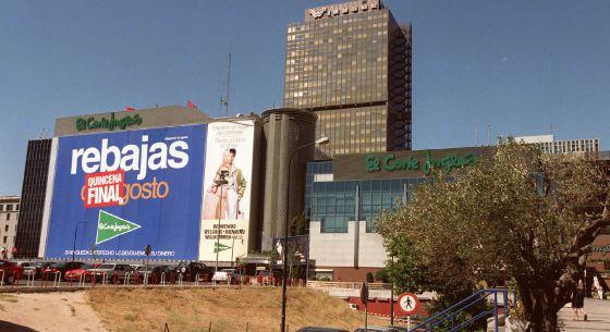 Fachada de uno de los centros de El Corte Inglés en Madrid.