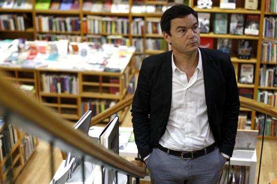 El economista francés en la librería Juan Rulfo en Madrid.