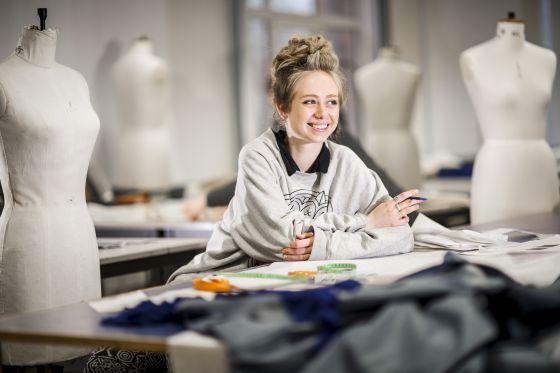 Una alumna en las instalaciones de la Universidad de Montfort.