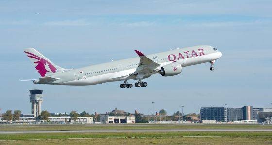 Las azafatas de qatar airways tienen que pedir permiso for Oficina qatar airways madrid