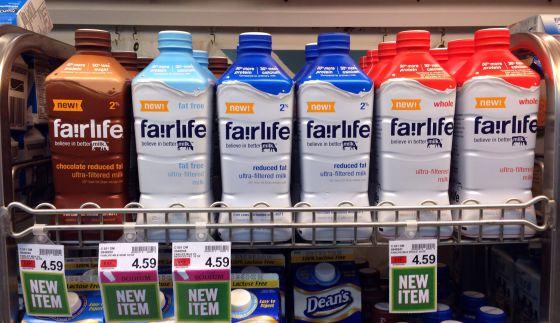Contra estagnação dos negócios, Coca-Cola investe em leite 'melhorado'