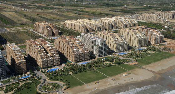 Imagen aérea de las miles de segundas residencias construidas en el complejo Marina d' Or, en Oropesa del Mar (Castellón).