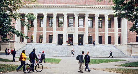 Alumnos en la Universidad de Harvard.