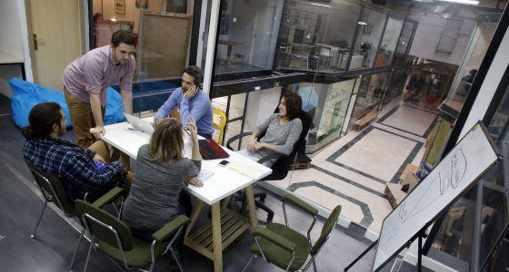 Alumnos del grado Leinn en el coworking de Madrid.