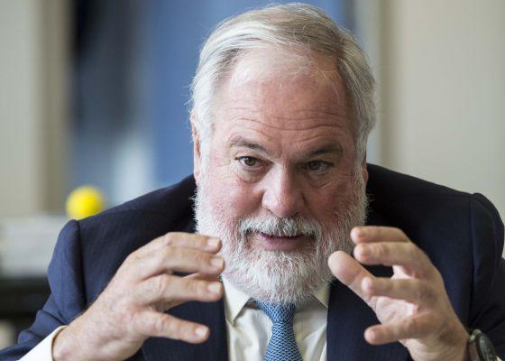 Miguel Arias Cañete, comisario europeo de Energía y Clima durante la entrevista