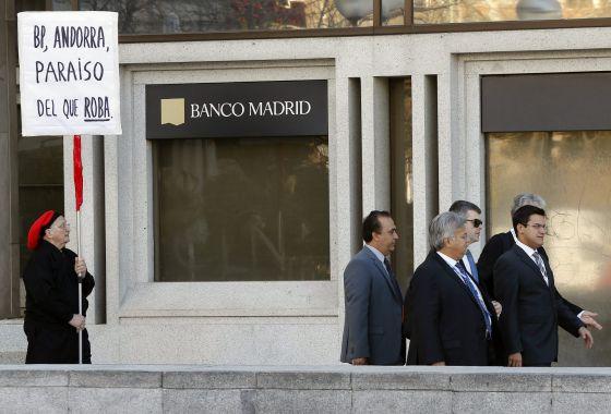 Econom a lleva a la fiscal a a la entidad por indicios de for Banco abierto sabado madrid