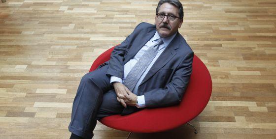 El presidente del Consejo Superior de Cámaras Manuel Teruel posa en la sede del consejo.