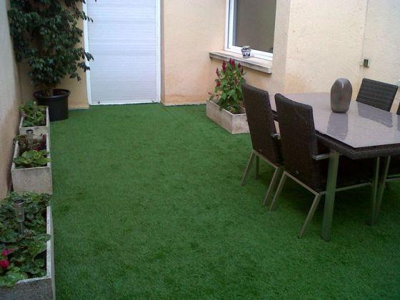 Lo verde conquista los pisos vivienda el pa s for Pisos decoracion garajes