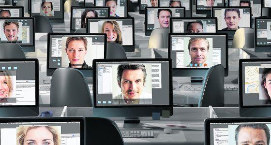 Las ofertas de trabajo en prensa dan paso a los anuncios en la pantalla.