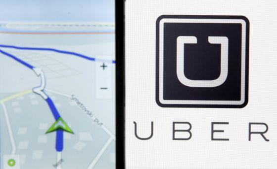 Ilustración de los mapas de Nokia y el logo de Uber.
